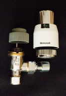 Honeywell VT200 Classic thermostatic radiator valve (TRV) showing the valve body, thermostatic head and the grey decorators' cap
